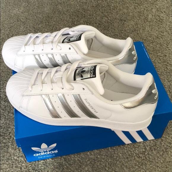 official photos 95932 cad83 Women's Adidas Original Superstar white/silver